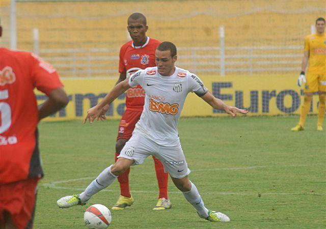 Pedro Castro vai estar em campo pelo Santos nesta terça-feira / Israel de Oliveira/Site Santos