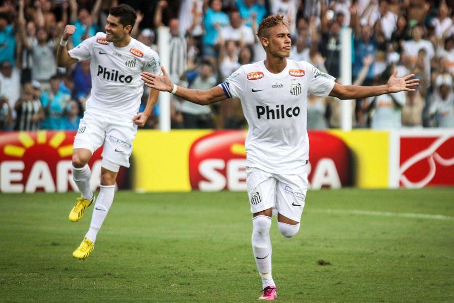 Neymar vibra: craque santista fez gol e deu duas assistências / Ale Vianna/Brazil Photo Press/Folhapress