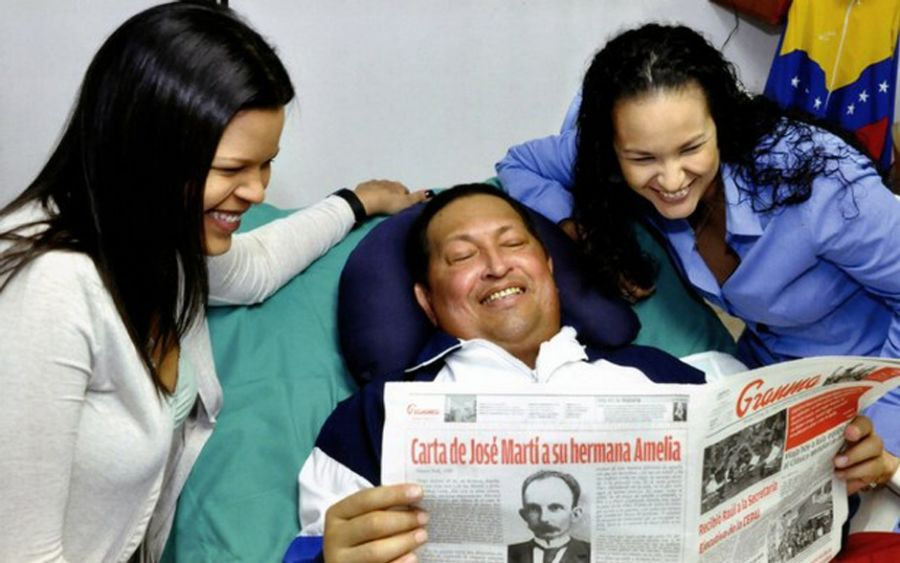 Presidente da Venezuela aparece sorrindo ao lado das filhas