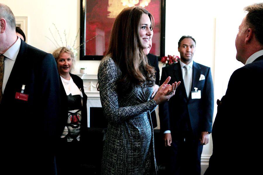 26f1929e9bcbe Italiano diz que estilo de Kate não é sexy. Roberto Cavalli gostaria de  vestir a duquesa de Cambridge com looks mais ousados