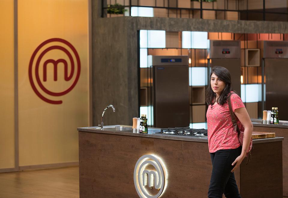 Participantes chegam à cozinha do MasterChef Profissionais