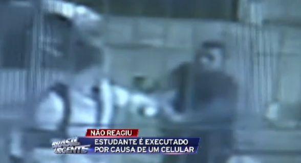 Estudante foi baleado na cabeça, na noite desta terça-feira, em SP / Reprodução/Brasil Urgente