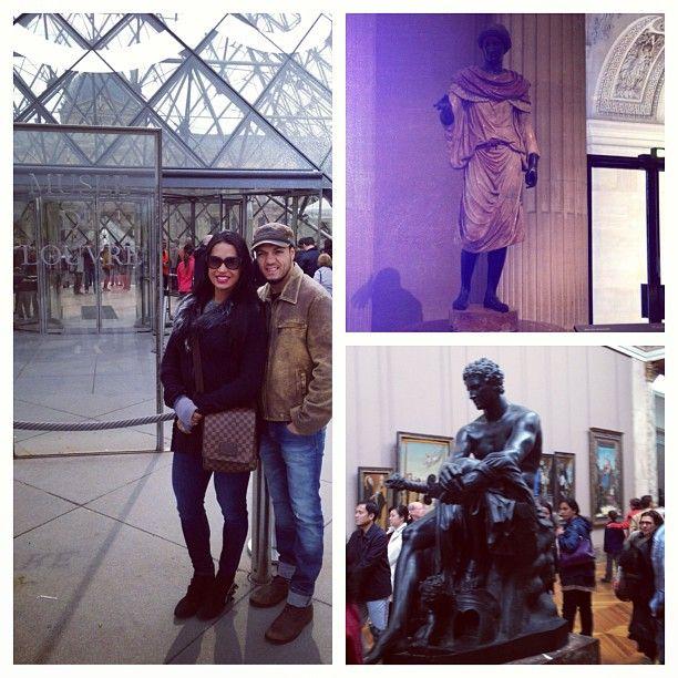 Casal está de férias em Paris, na França