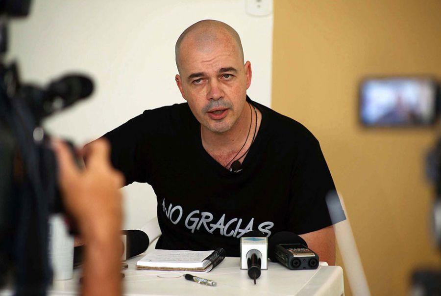 Padre Beto diz que seguirá na teologia / Denise Guimarães/Futura Press/Folhapress
