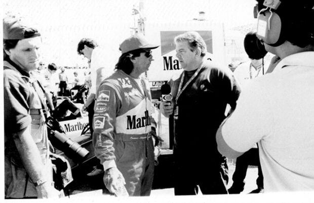 Luciano do Valle durante entrevista Emerson Fittipaldi na época de Indy