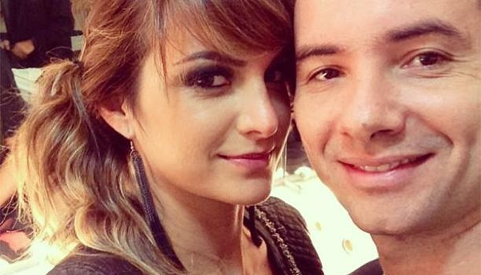 Marco Luque e sua mulher Flávia Vitorino no camarim / Divulgação/Facebook