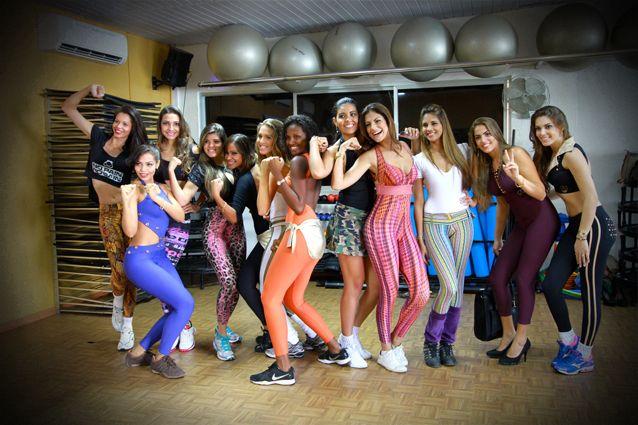 As candidatas a Miss Bahia 2013 continuam a preparação