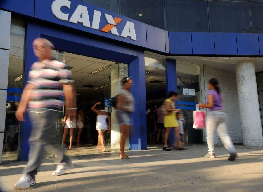 Beneficiários correram para sacar Bolsa Família / Tânia Rêgo / ABr