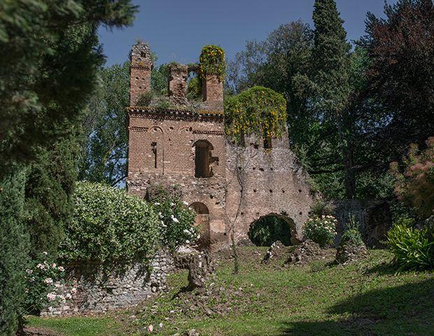 Jardim de Ninfa, cenário romântico na Itália