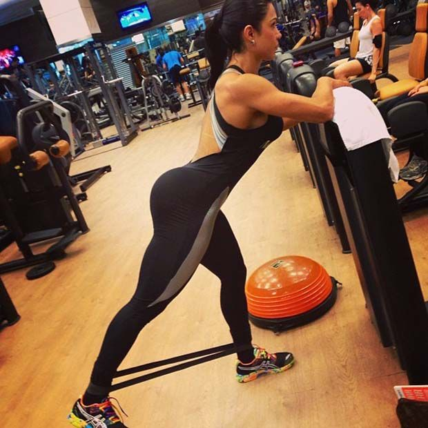 Gracyanne barbosa mostra srie na academia notcias divulgaoinstagram oficial thecheapjerseys Choice Image