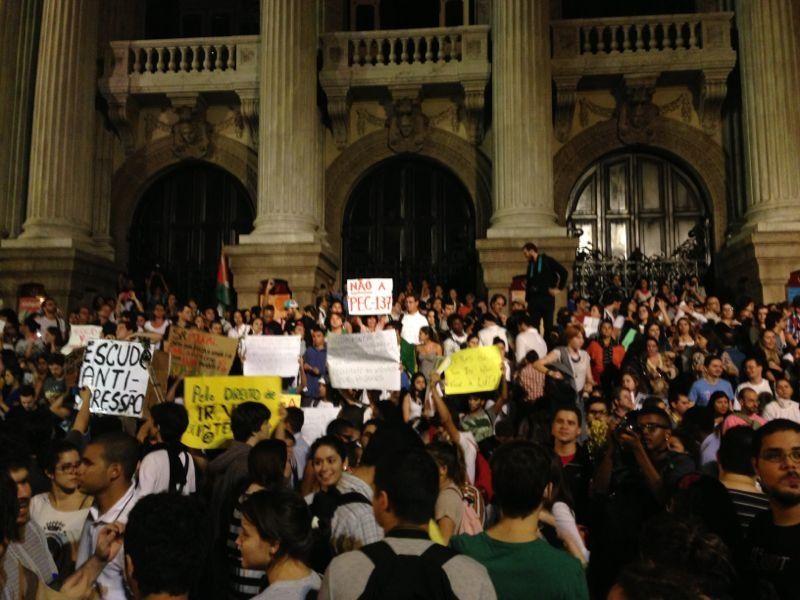 Manifestação no Rio termina em confronto - Notícias - Cidades - Band.com.br