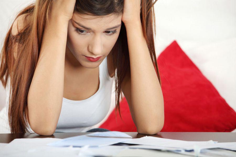 Mulheres se dão conta de que estão atrasadas na quarta-feira / Shutterstock