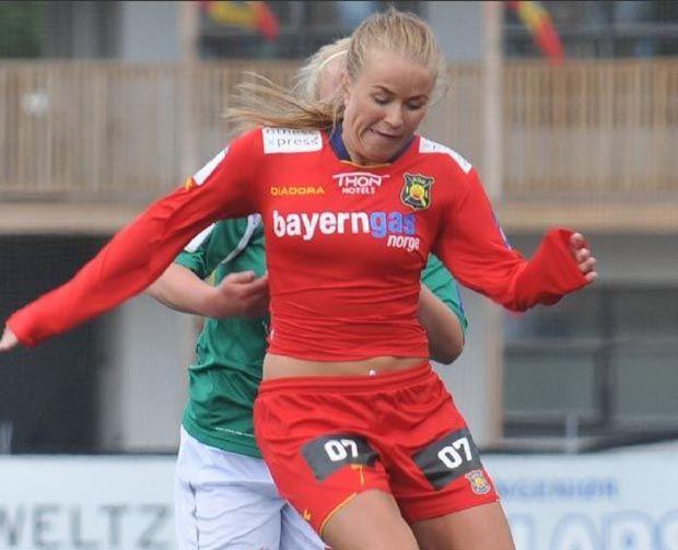Jogadora norueguesa posta foto de calcinha para revelar lesão