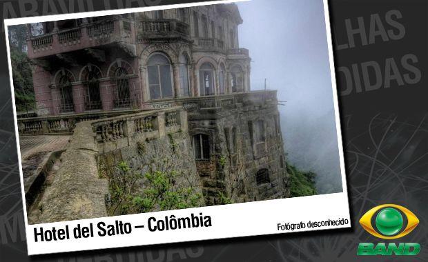Suicídios ocorridos no local suicídio alimentou os rumores de que o antigo Hotel Del Salto era mal-assombrado. / Fotógrafo desconhecido.