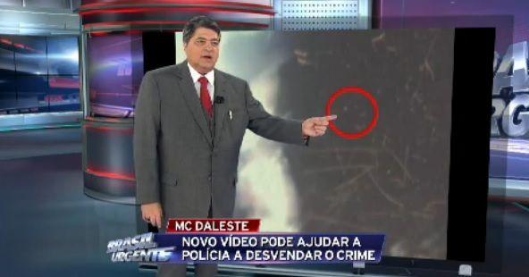 Tiro teria vindo do lado esquerdo, do ponto de vista de quem está no palco / Reprodução/Brasil Urgente