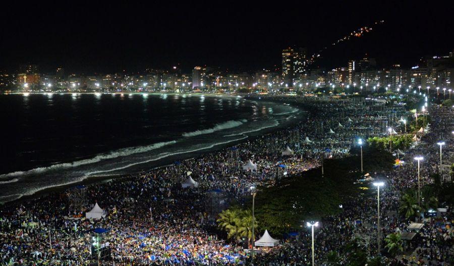 De acordo com os organizadores, cerca de 3 milhões de pessoas estavam na praia