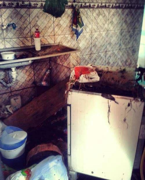 Imagem mostra a casa da menina morta após rompimento de adutora / Luiza Scheliga/BandNews FM
