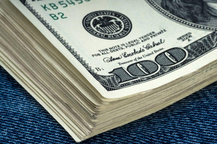 Dólar fechou em alta ante o real / Shutterstock