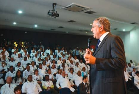 Ministro da Saúde, Alexandre Padilha, participa de aula inaugural em Brasília / Elza Fiúza/ABr
