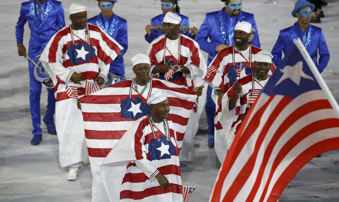 A delegação da Libéria veio literalmente vestida com a bandeira de seu país