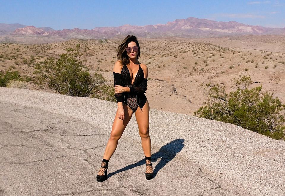 Recuperada de câncer, Tânia Oliveira faz ensaio sexy em Las Vegas
