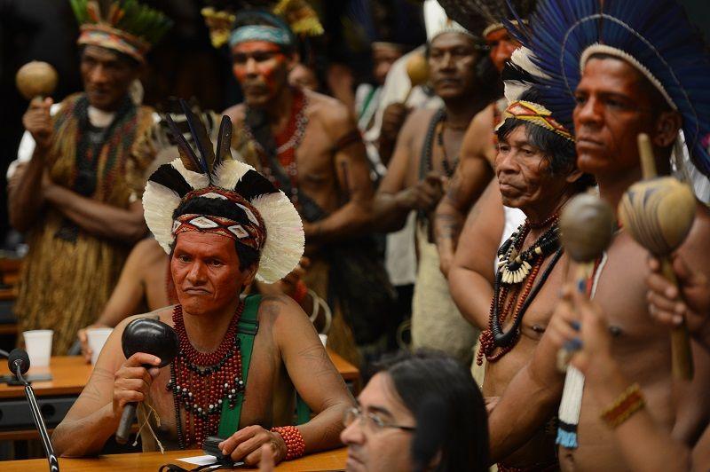 Indígenas pedem audiência com Dilma - Notícias - Política - Band.com.br