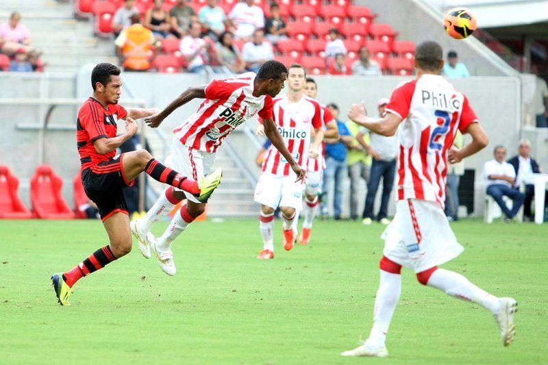 Náutico e Flamengo ficaram no empate sem gols neste domingo / Matheus Britto Imagem/Futura Press/Folhapress
