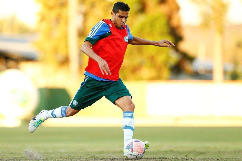 Alan Kardec vai comandar o ataque do Palmeiras neste sábado / Folhapress