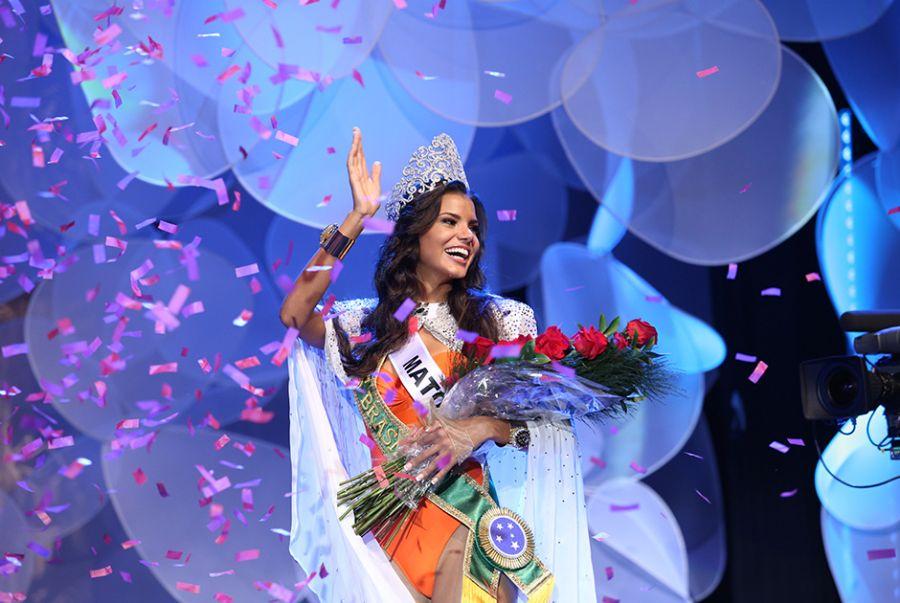 Jakelyne Oliveira é coroada a Miss Brasil 2013