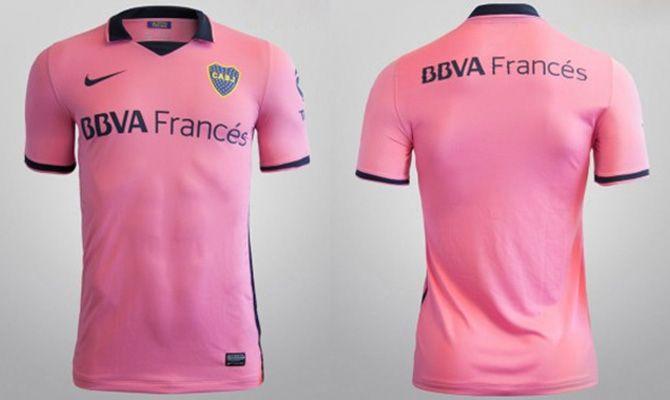 Boca estreia camisa rosa com time feminino - Band.com.br e65f29760eed1