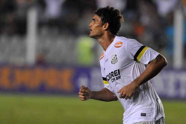 William José entra no ataque do Santos