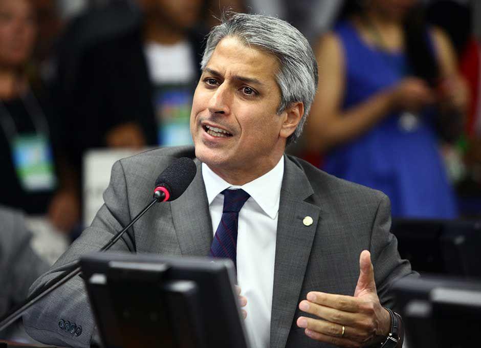 Deputado diz que peemedebistas estão agindo com irresponsabilidade / Antonio Augusto/Agência Câmara