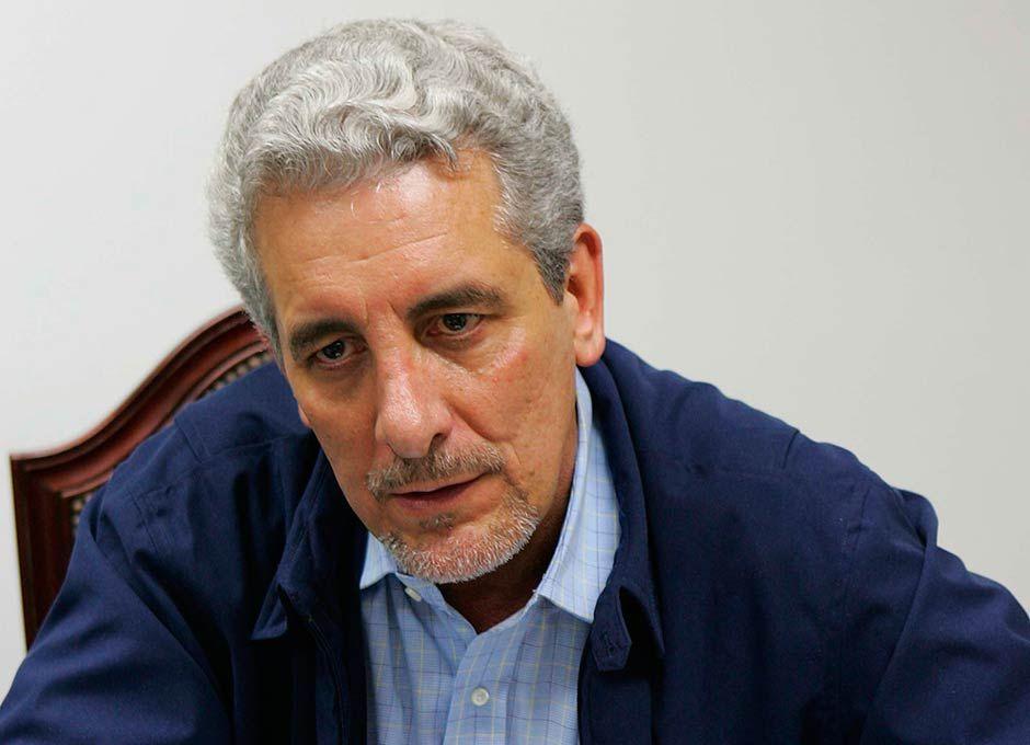 """""""Fuga de Pizzolato cria embaraço"""" - Notícias - Política - Band.com.br"""