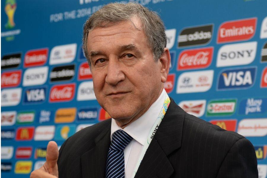 Carlos Alberto Parreira não acredita que Fred tenha sido o vilão do Brasil na Copa / Vanderlei Almeida/AFP