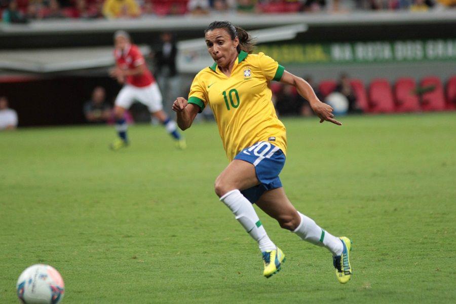 Veja imagens da vitória do Brasil sobre o Chile