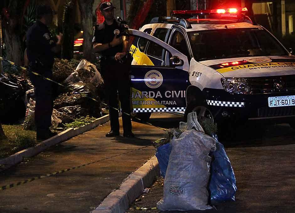 Local da morte foi preservado pela polícia / Edison Temoteo/Futura Press/Folhapress