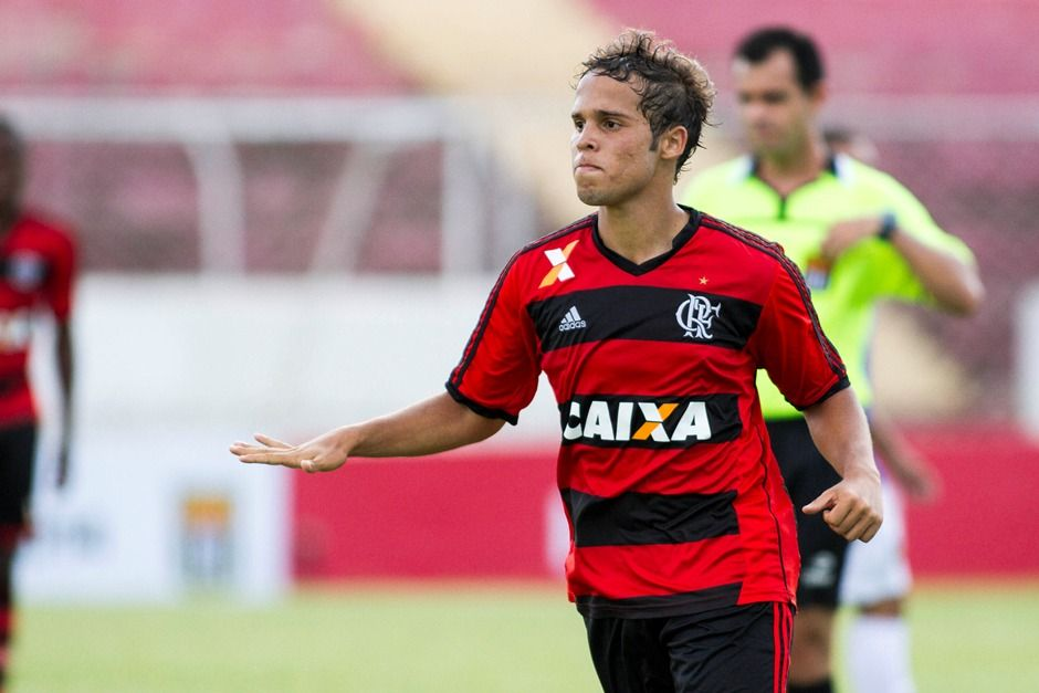 EXCLUSIVO: Promessa do Flamengo desperta interesse em gigante europeu