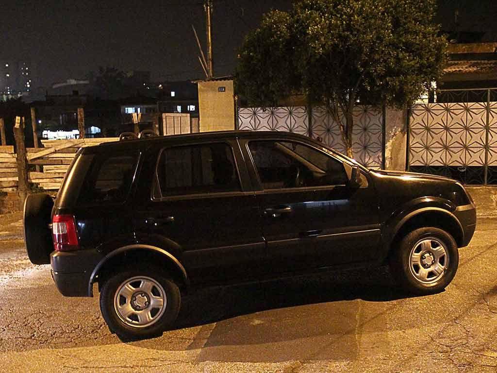 Carro usado no roubo foi recuperado pela polícia / Nivaldo Lima/Futura Press/Folhapress