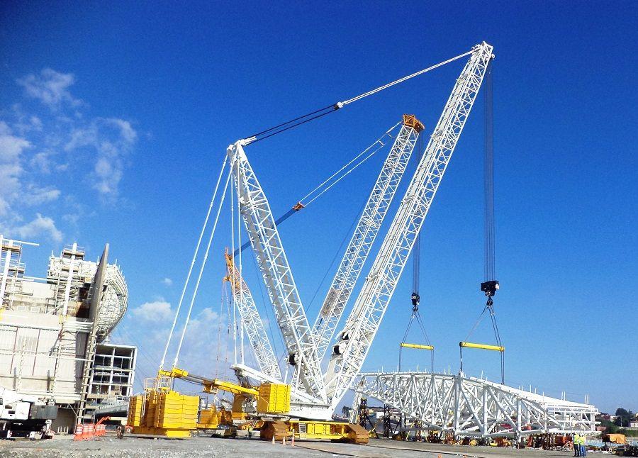 Módulo foi erguido por dois guindastes / Odebrecht Infraestrutura