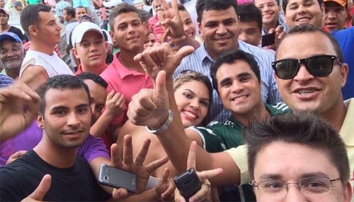 Selfie do Oscar Filho em Minas Gerais / Divulgação/Twitter