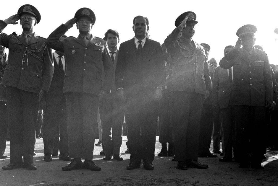 Golpe Militar culminou com a renúncia do presidente João Goulart, ao centro / Bosco/Acervo UH/Folhapress