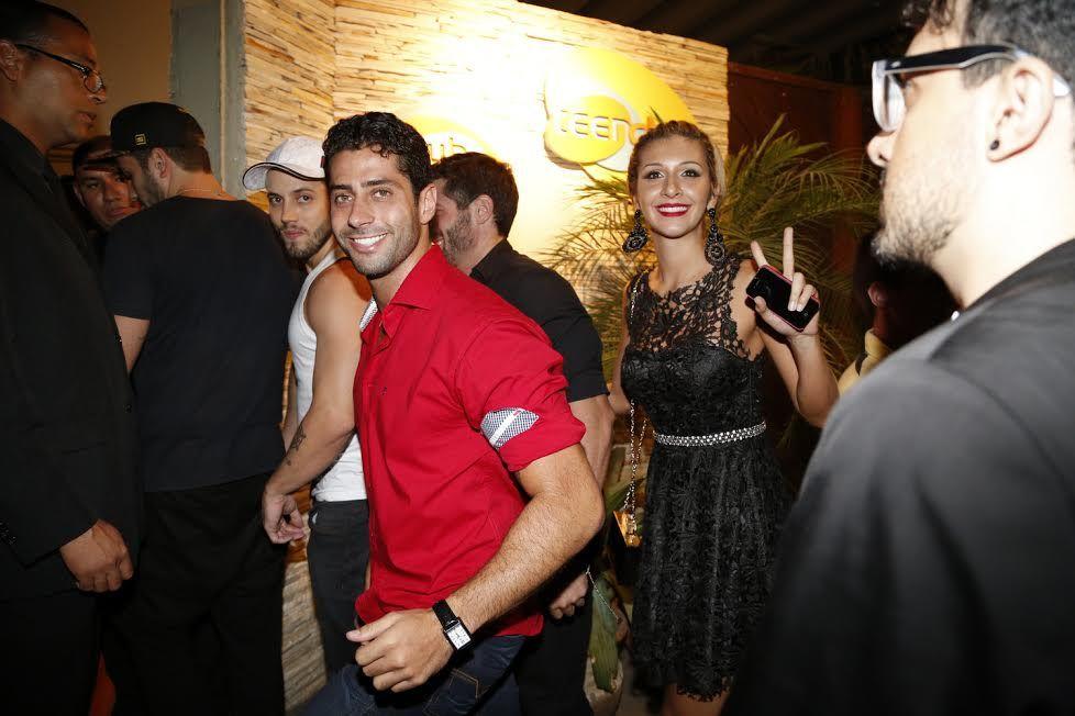 Ex-BBBs curtem festa após fim do reality