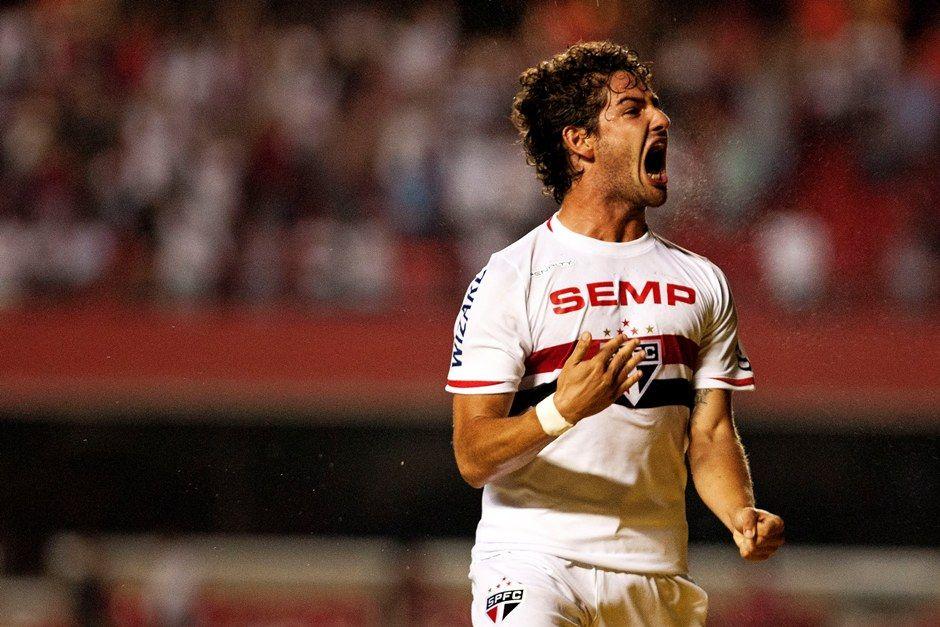 [SPFC.Net] Alexandre Pato avisa empresário e Corinthians que não sai do São Paulo antes de 2015