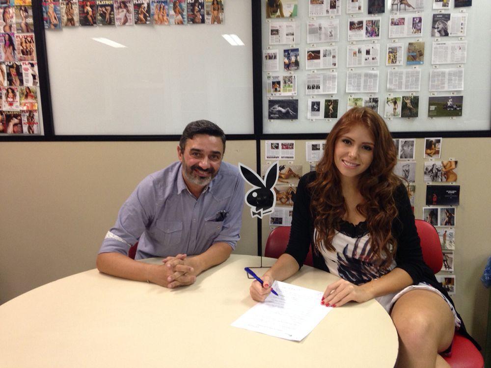 Ex-BBB Amanda Gontijo assina contrato com a