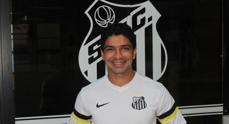 Após 10 anos, Renatinho retorna ao Santos / Vitor Pajaro/Santos FC)