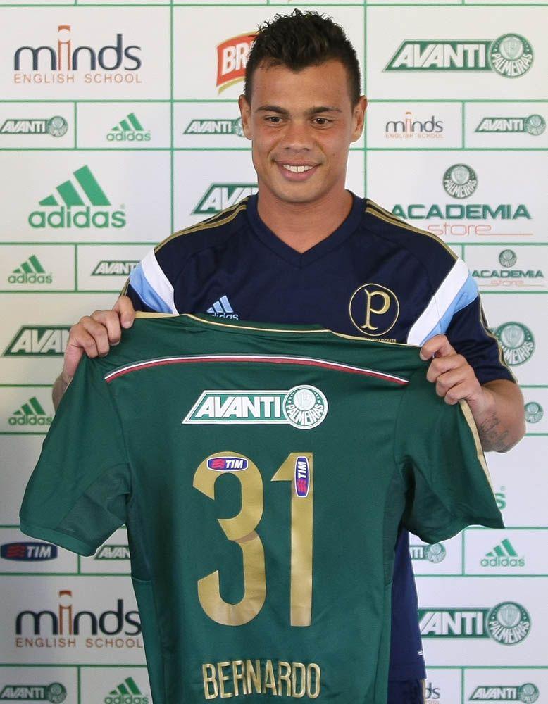 Bernardo durante apresentação oficial ao Palmeiras / Cesar Grecco/Palmeiras/Divulgação