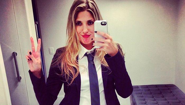 Dani Calabresa brinca em frente ao espelho / Divulgação/Instagram