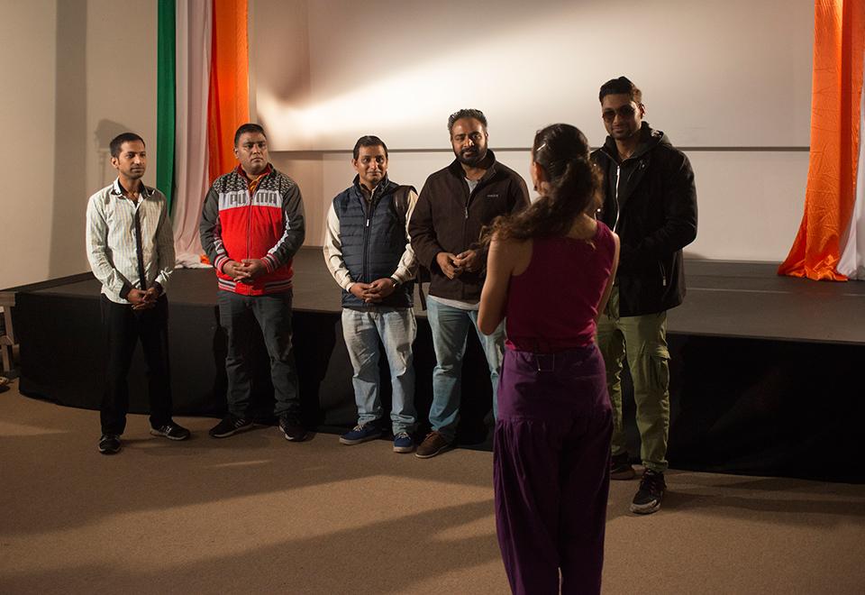 Veja os bastidores da gravação do clipe de Bawarchi