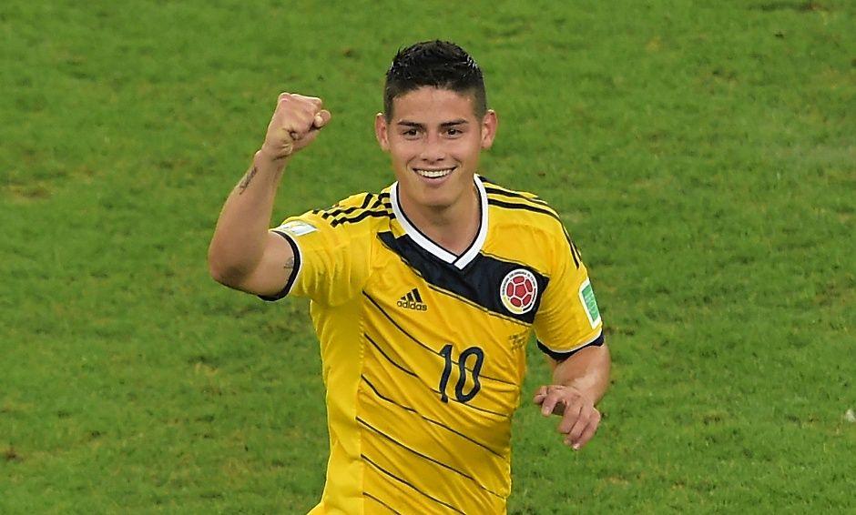James é o novo artilheiro da Copa e candidato ao gol mais bonito / Gabriel Bouys / AFP