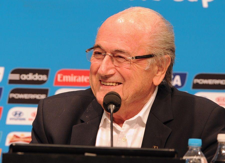 Nota oficial da Fifa, que é presidida por Joseph  Blatter, descartou tirar da Rússia a organização da próxima Copa do Mundo / Tasso Marcelo/AFP